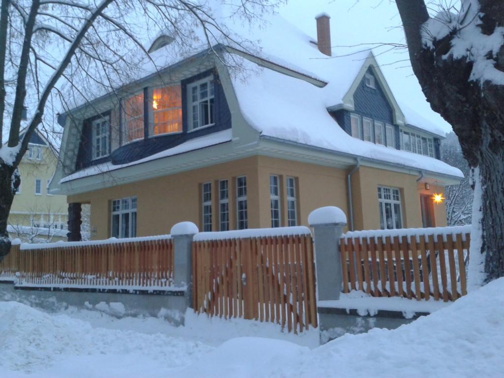 Villa Frübing im Advent