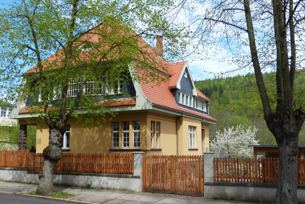 Ferienwohnung Ilmenau Villa Frübing - Aussenansicht, Frühling
